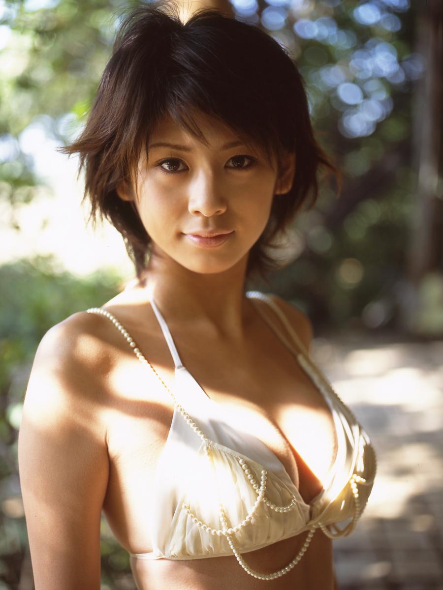 [FSo] Yuka Kosaka - Graphy.tv 小坂由佳 [2006.02][14.11 MB] - idols