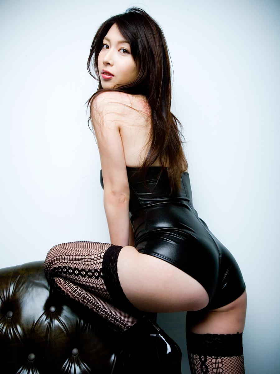 [GRAPHY] Emi Kobayashi - Tempation of Beautiful White SkinReal Street Angels