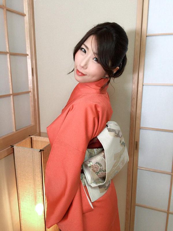 Ayumi_Shinoda_3.jpg