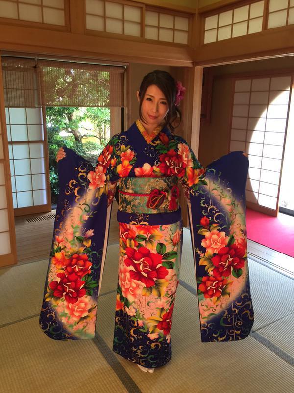 Ayumi_Shinoda_5.jpg