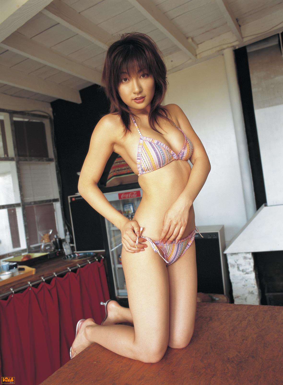 [FP] [BOMB.tv] 2005.02 Yoko Kumada 熊田曜子 09030