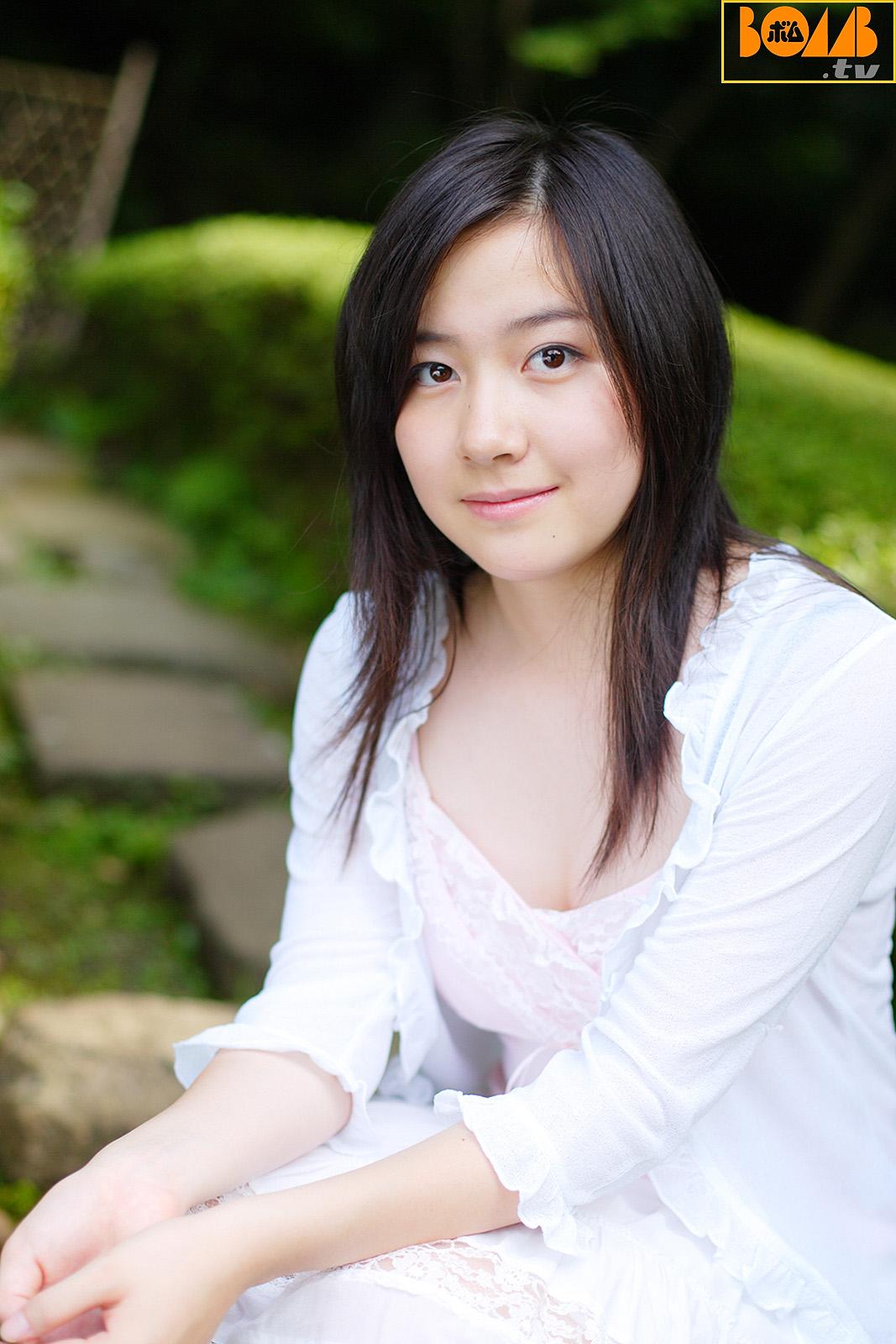 Yuria Nakazawa - Bomb.tv Channel B 中沢悠里亜 [2005.09][25.0 MB]