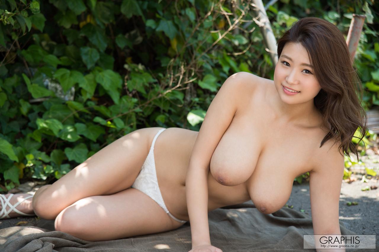 [Graphis] 2017-06-02 Nana Fukada 深田 ナナ 『 Natural-Busty-Girl! 』 1/6 [39.8 Mb]