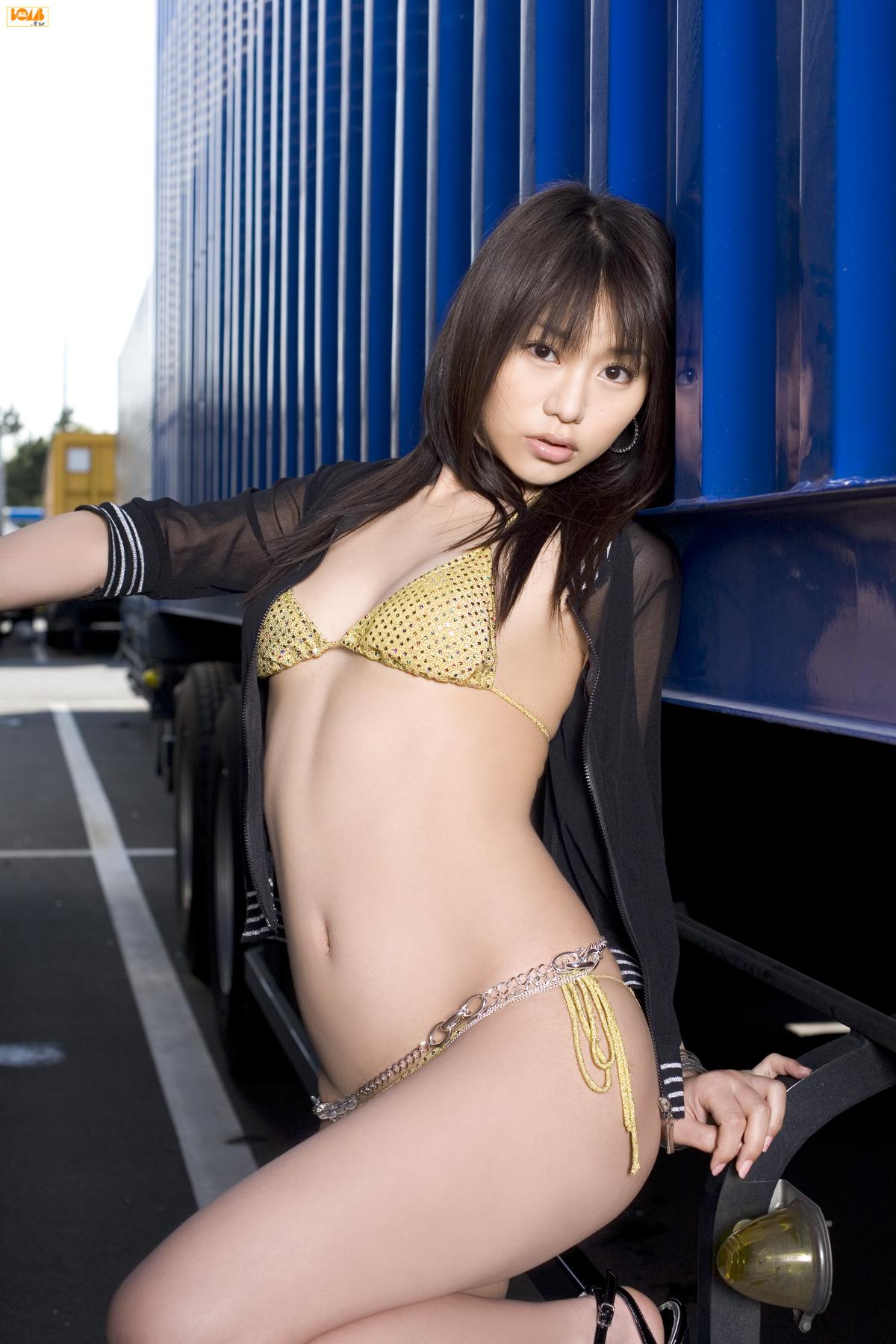 Hitomi Kaikawa - Bomb.tv 海川ひとみ - idols