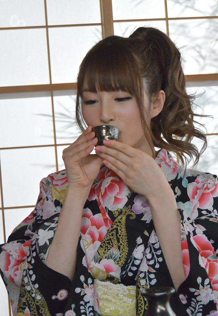 kyonyu_oppai20150531-03oohashimiku_av_jyokyoushi_kimono_sexy0168.jpg