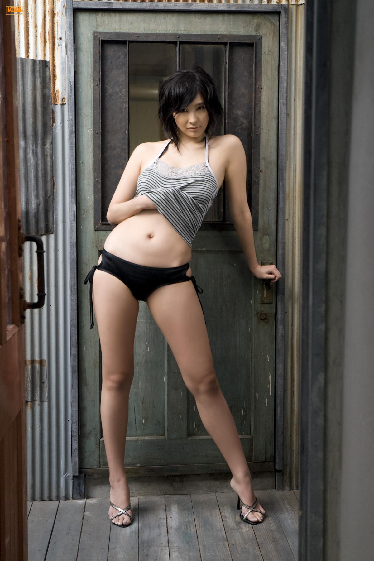 [Bomb.tv] Mami Yamasaki (2008.05) [35p/13MB]Real Street Angels