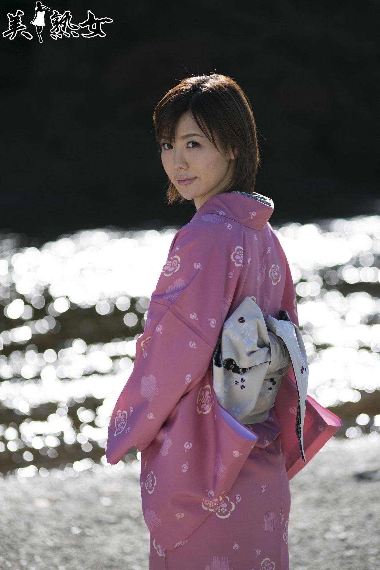 JAV actresses wearing a Kimono (きもの/着物)   Akiba-Online.com