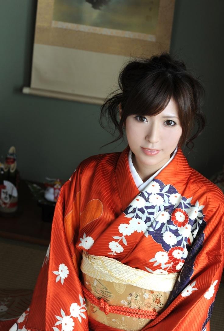 Yuna_Shiina_1.jpg