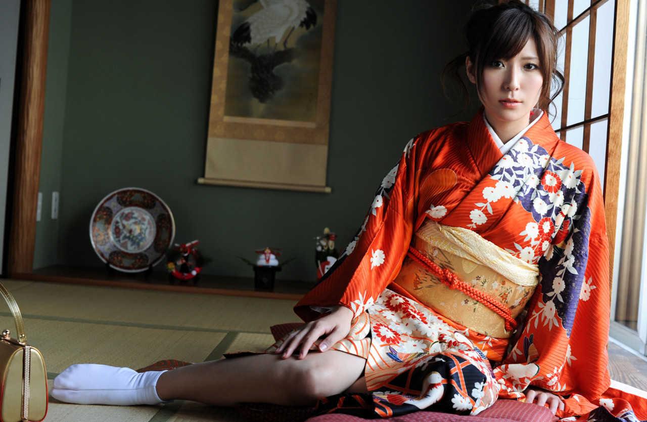 Yuna_Shiina_2.jpg