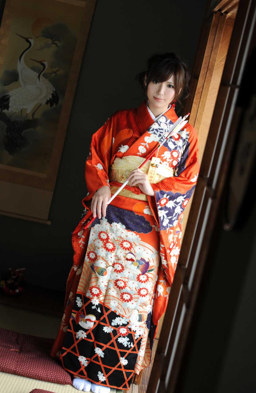 Yuna_Shiina_3.jpg