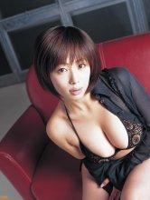 Waka Inoue - Bomb.tv 井上和香 [2005.04][40.2 MB] - idols